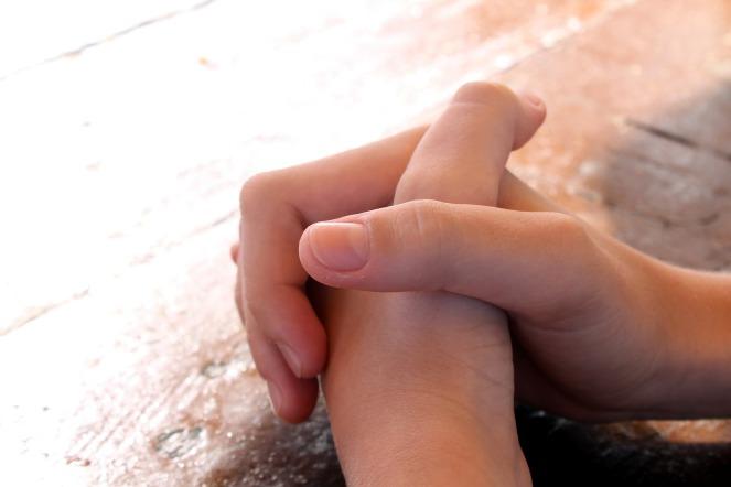 praying-614374_1920